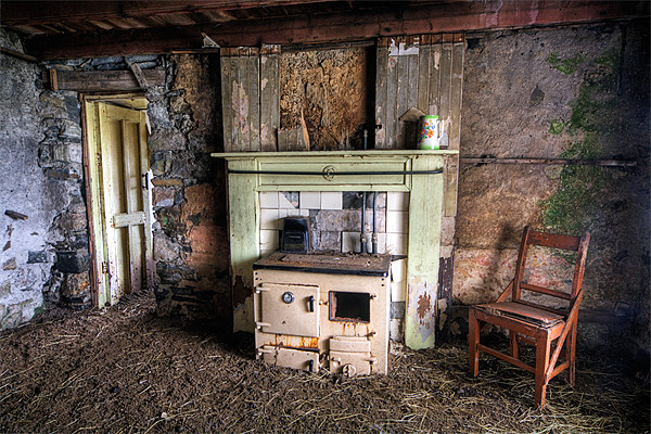 Abandoned Cottage, Isle of Harris Framed Print by Andrew Scoggins