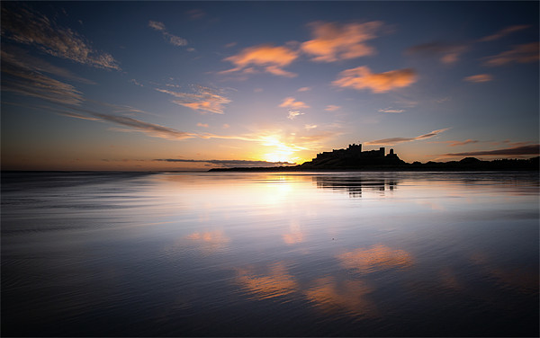 Bamburgh Castle at Dawn Canvas print by Paul Appleby