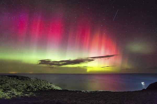 Northern Lights - St. Abbs Head Canvas print by Paul Appleby