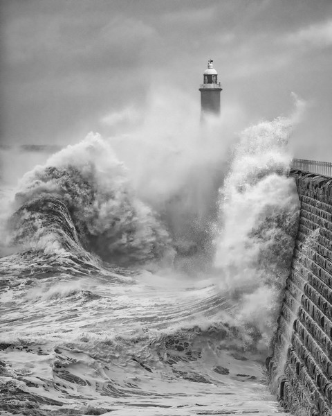 Storm Force Tynemouth Canvas print by Paul Appleby