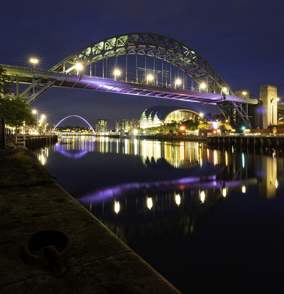Tyne Bridge Dusk Canvas print by Paul Appleby