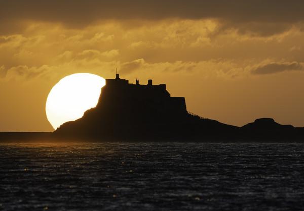 Sunrise - Holy Island Canvas print by Paul Appleby