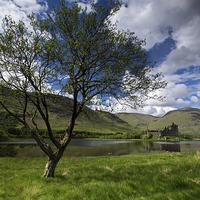 Buy canvas prints of Kilchurn Castle by R K Photography