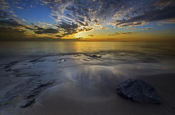 Bamburgh sunrise Canvas print by R K Photography