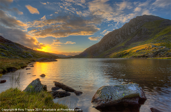 Llyn Ogwen Canvas Print by Rory Trappe