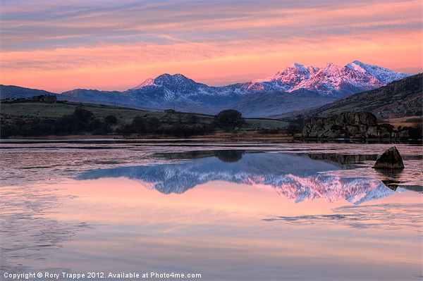Snowdon sunrise Canvas print by Rory Trappe