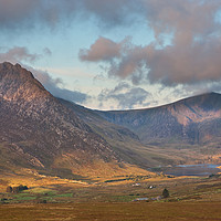 Buy canvas prints of Ogwen valley by Rory Trappe