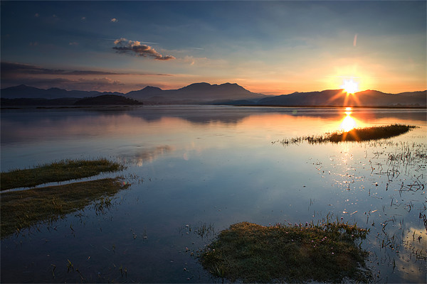 Ynys Sunrise - North Wales Canvas print by Rory Trappe