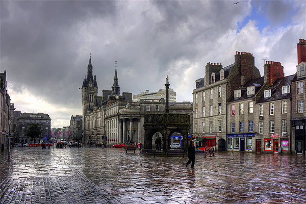 Aberdeen in the rain Canvas print by Tom Gomez
