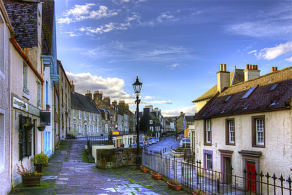 The High Street from East Terrace Canvas print by Tom Gomez