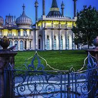 Buy canvas prints of Dawn At Brighton's Royal Pavilion by Chris Lord