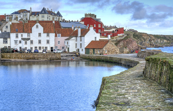 Pittenweem Harbour Area Canvas print by Gerry Greer