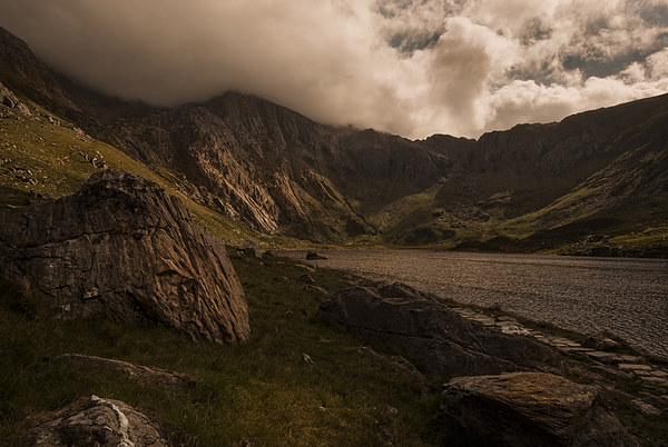 Llyn Idwal and the Devils Kitchen Framed Mounted Print by Eddie John