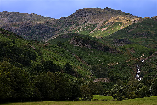 Pathway to Easedale Tarn Canvas print by Roger Green