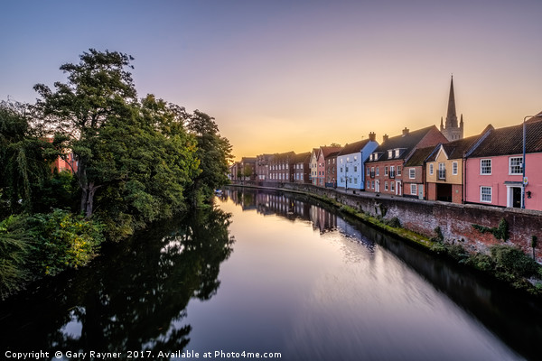 Pre-dawn in Norwich Canvas print by Gary Rayner