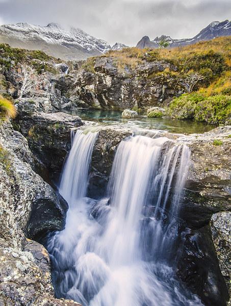 Glen Brittle Waterfall Canvas print by Richard Peck
