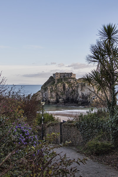 St Catherines Island, Tenby.  Canvas print by Becky Dix