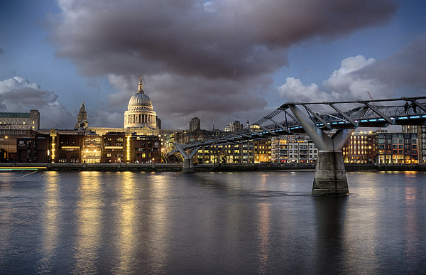 St Paul's Cathedral from across the Thames Canvas print by Rus Ki