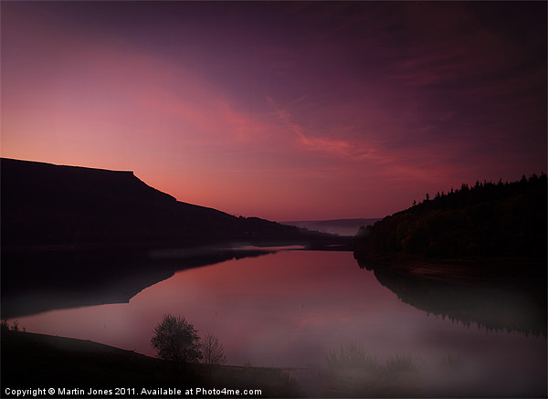 Absolute first light at Ladybower Canvas print by Martin Jones