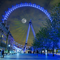 Buy canvas prints of The London Eye by Martin Jones