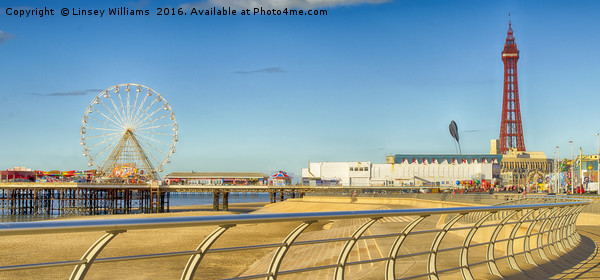 The North Pier Blackpool Canvas print by Linsey Williams