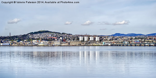 Dundee City Canvas print by Valerie Paterson
