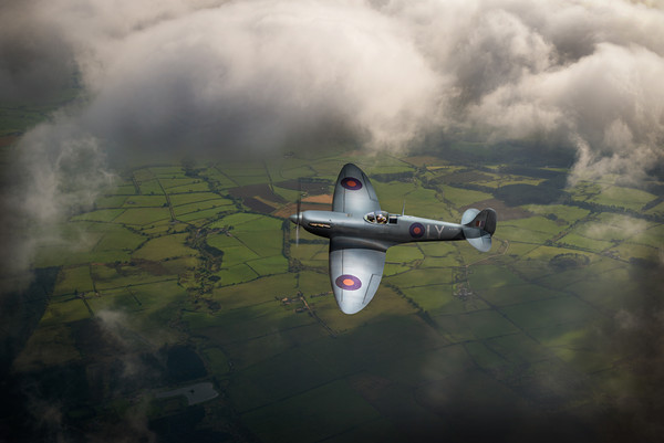 Photo reconnaissance Spitfire Canvas print by Gary Eason