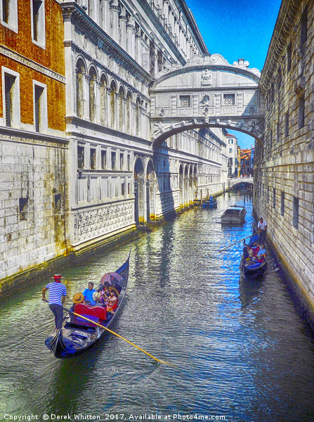 Bridge of Sighs Canvas print by Derek Whitton