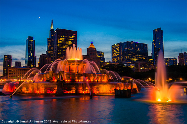 Buckingham Fountain at Dusk Canvas print by Banjiwayume Photography