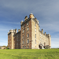 Buy canvas prints of Drumlanrig Castle by Scottish Landscape and Wildlife Canvas Print