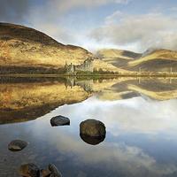 Buy canvas prints of Kilchurn Castle by Scottish Landscape and Wildlife Canvas Print