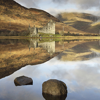 Buy canvas prints of Kilchurn Castle by Scottish Landscape and Wildlife Canvas Print