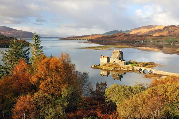Eilean Donan Reflection in Autumn Canvas Print by Grant Glendinning