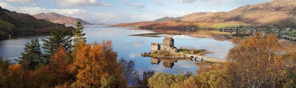 Eilean Donan Castle Pano in Autumn Canvas Print by Grant Glendinning