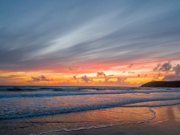 Croyde Beach Sunset Canvas Print by lee dawe