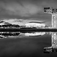 Buy canvas prints of  Finnieston Crane by night by Fine Art by John Farnan