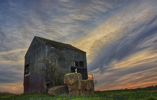 The Old Barn, Detling Canvas print by Phil Clements