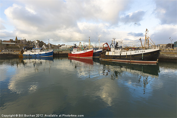 Fraserburgh Harbour Scene Photo Canvas print by Bill Buchan