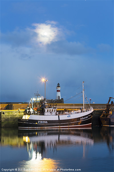 Fraserburgh Harbour Evening Scene Photo Canvas print by Bill Buchan