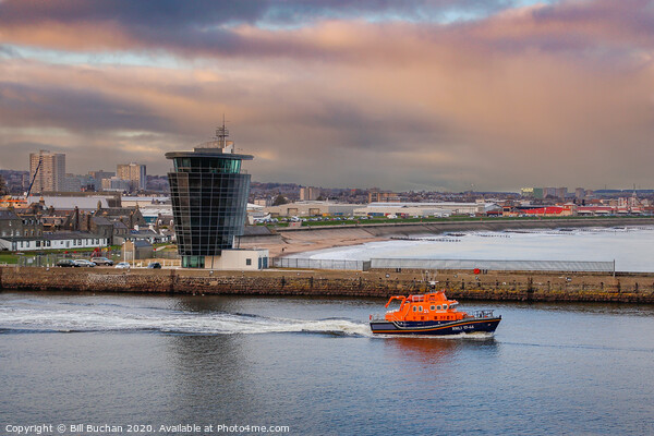 Aberdeen Lifeboat Leaves Port Canvas Print by Bill Buchan