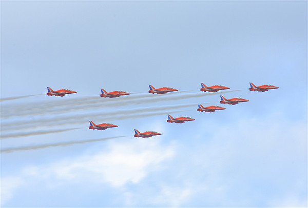 Red Arrows Canvas print by joe cliffe