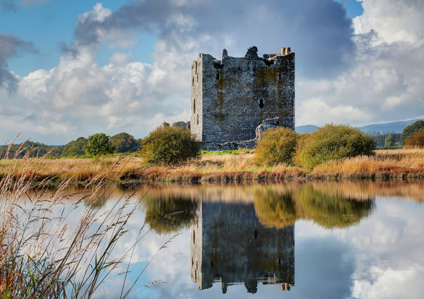 Threave Castle, Dumfries and Galloway, Scotland Canvas print by Donald Parsons
