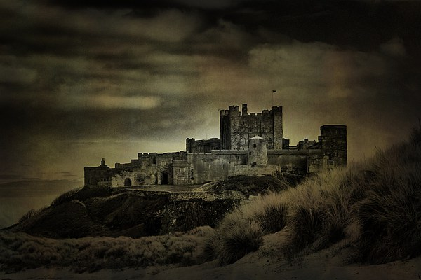 Bamburgh Castle Canvas Print by kevin wise