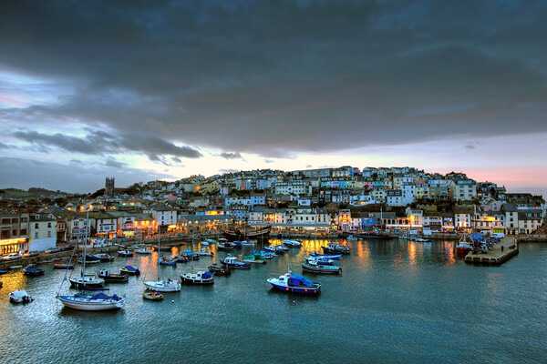 Brixham Harbour at dusk Canvas Print by kevin wise