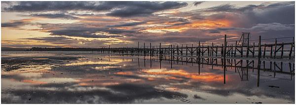 Poole Harbour Sunset Canvas print by stuart bennett