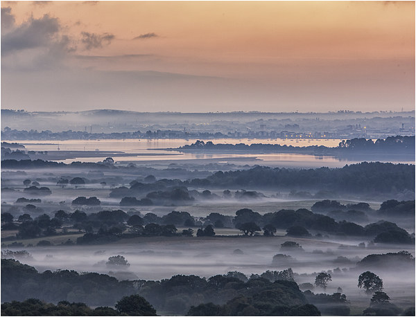Poole Harbour Misty Morning  Canvas print by stuart bennett