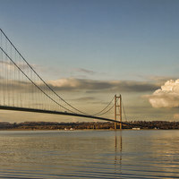 Buy canvas prints of  Humber Suspension Bridge by Val Saxby LRPS