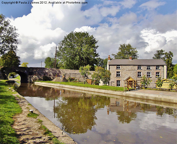 Monmouthshire & Brecon Canal Canvas print by Paula J James