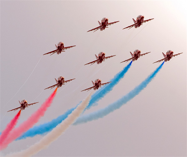 Red Arrows Canvas print by eric carpenter