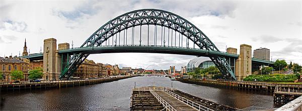 Tyne Bridge Panorama Canvas print by eric carpenter